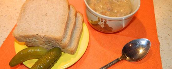 Gulasz z chlebem