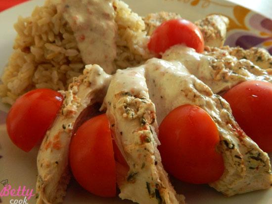 Filety z kurczaka w jogurtowej marynacie