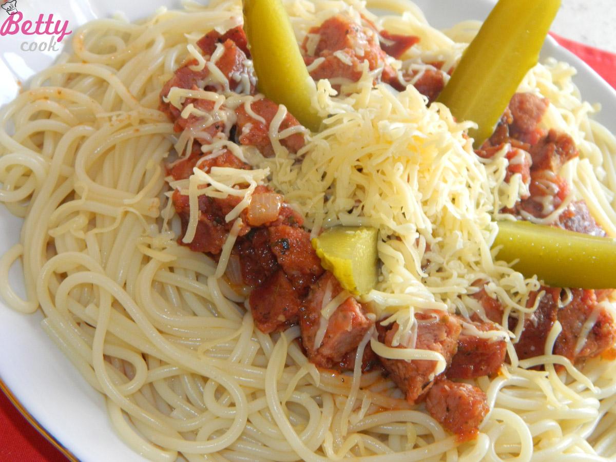 Spaghetti z kiełbasą