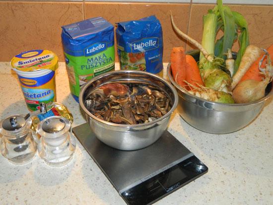 Składniki na zupę grzybową
